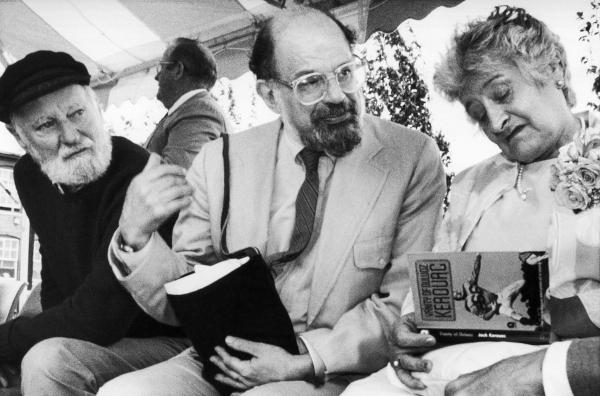 Ferlinghetti, Ginsberg e Stella Kerouac